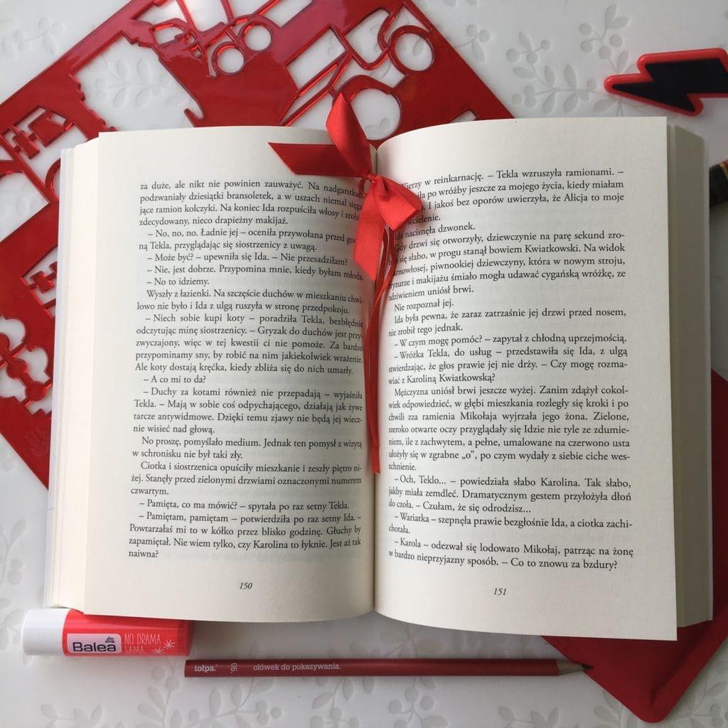 Moje wrażenia z lektury książki Martyny Raduchowskiej,  Szamanka od umarlaków.