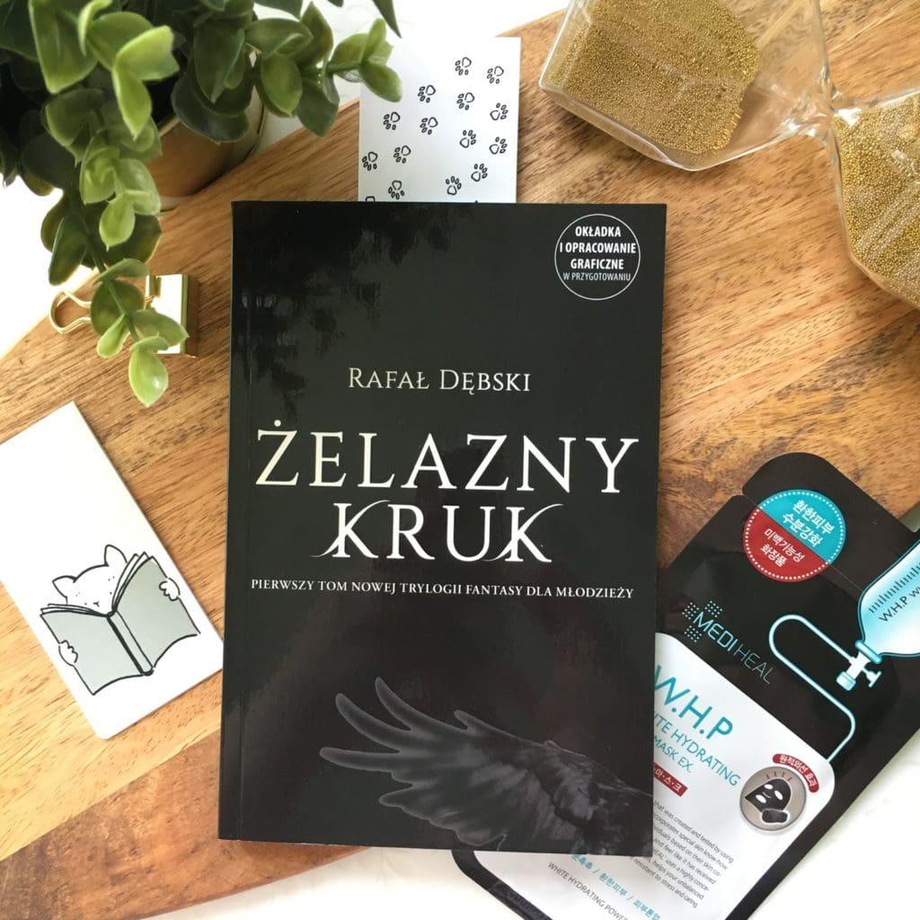Żelazny kruk - Wyprawa to pierwszy tom nowej trylogii fantasy dla młodzieży napisanej przez Rafała Dębskiego, który będzie miał premierę 19 września 2018.