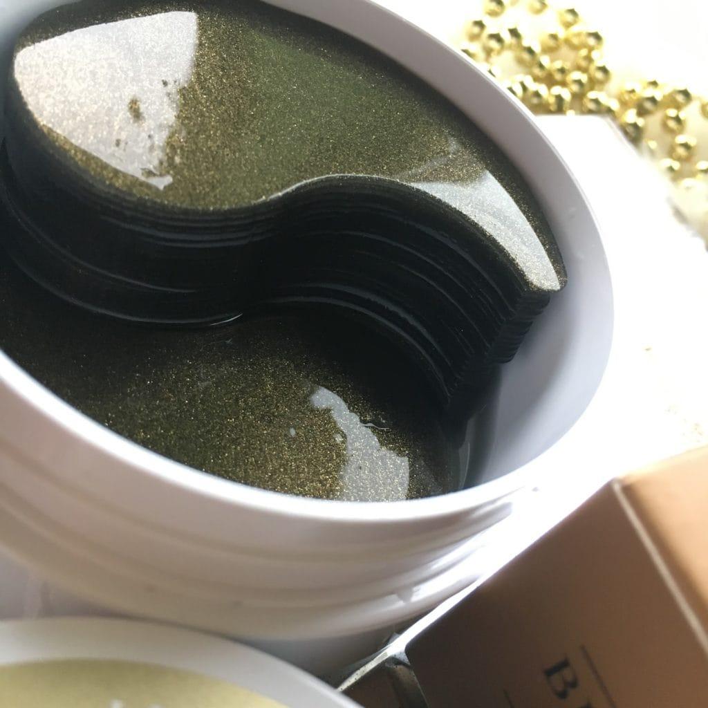 Petitfee Black Pearl Gold Hydrogel Eye Patch, czyli hydrożelowe płatki pod oczy.