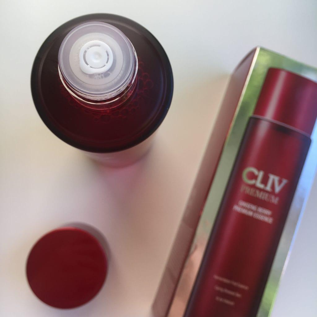 Cliv - Nawilżająco-witalizująca esencja do twarzy z jagodami żeń-szenia
