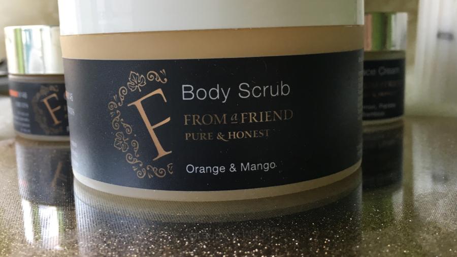 From a Friend - Scrub do ciała Pomarańcza & Mango