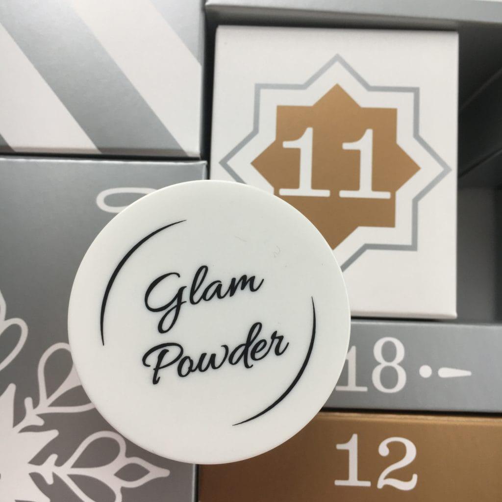 11 grudzień ... GlamPOWDER - Puder wykończeniowy rozświetlający